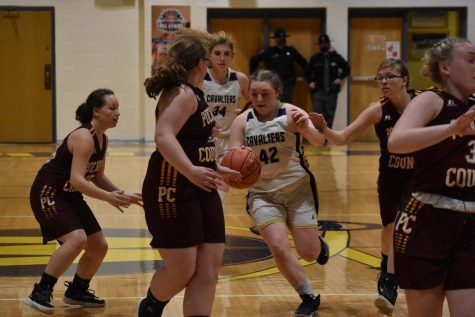 Natalie Agee (#42) playing defense