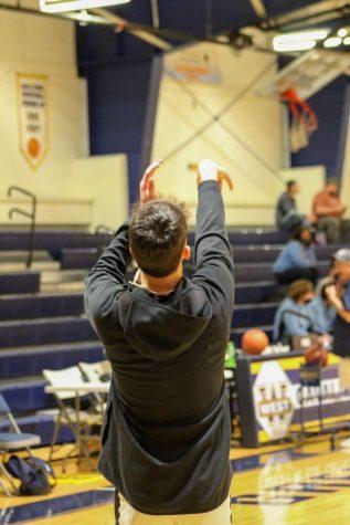 Boys Basketball: New River International Tournament